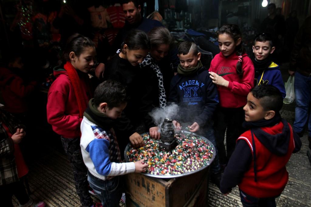 حلوى المولد في شوارع نابلس