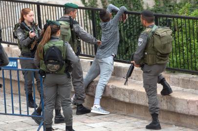 الاحتلال: اعتقلنا