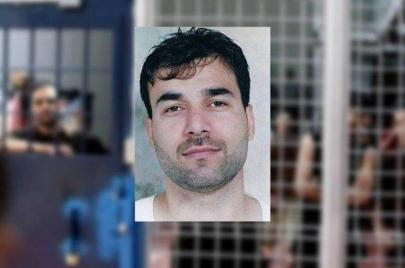 اعتقال زوجة أسير وشقيقه خلال الزيارة