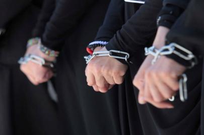 10 أسرى مضربون عن الطعام وإدارة سجون الاحتلال تستفرد بهم