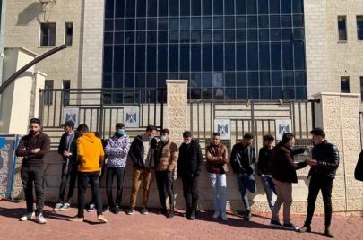طلبة جامعات جزائرية يعتصمون برام الله