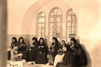 الاستقبالات النابلسية.. رحلة في عالم النساء المنسي