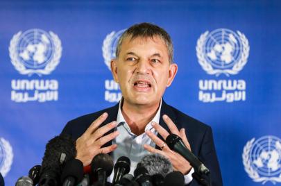 تطلعاتٌ لتعاون بايدن.. لازاريني من غزة: سنُسهم بعمليات التطعيم