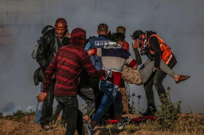 مسعفون وصحفيون.. 37 جريحًا بغزة