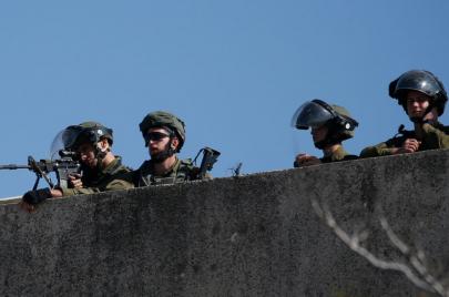 16 معتقلاً في الضفة فجر الثلاثاء