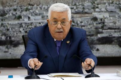 الرئيس يعلن وقف كافة الاتفاقيات الموقعة مع