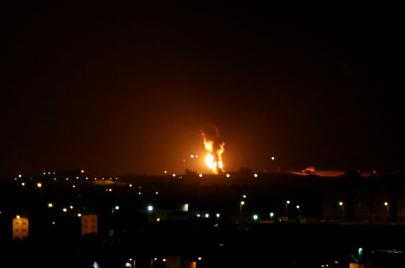 الاحتلال يقصف 15 موقعًا في غزة