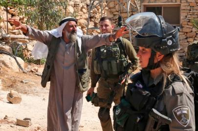 اعتقالات وهدم منشآت في مسافر يطا