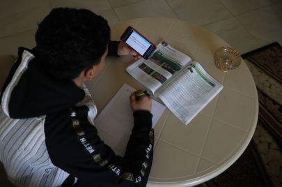 التعليم بغزة: شركات نظافة ومختصرٌ منهجي استعدادًا لعودة المدارس