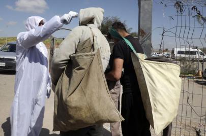 محافظ سلفيت يتوعد العمال الذين يخترقون الحجر المنزلي