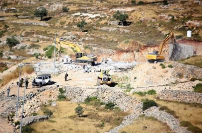 فيديو | هدم إسرائيلي لمنازل في رام الله والقدس