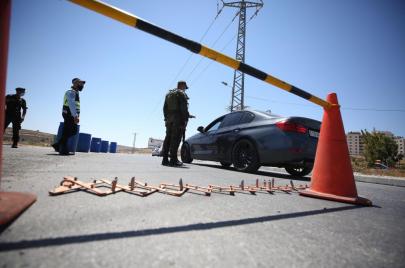 الشرطة: أغلقنا صالات أفراح ومحطات وقود بالضفة