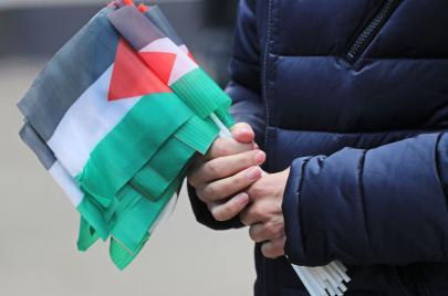 مئات آلاف العرب يوقعون على ميثاق فلسطين