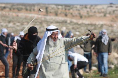 فيديو وصور | شيخ الجبل الفلسطيني إلى الاعتقال