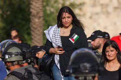 صور | بعد مواجهات وسط القدس.. أبو عبيدة يحذّر المستوطنين