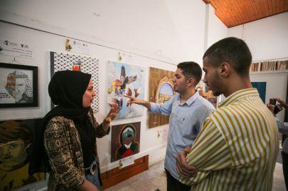 صور   متجذرون في أرض الزيتون.. رسائل ملونة من أرض غزة