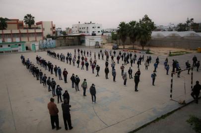 أذنة مدارس الحكومة يلوّحون بالإضراب: نريد حياة كريمة