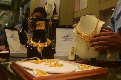 ارتفاع أسعار الذهب.. ما علاقة كورونا؟