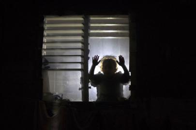 في غزة.. آباء يدفعون أطفالهم للسرقة