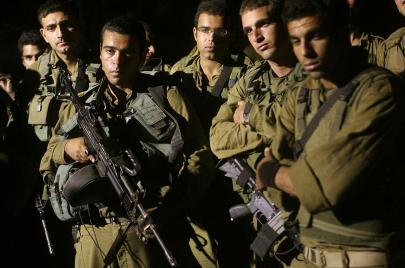 حكمان مُخفّفان ضد جنود ارتكبوا اعتداءات جسدية وجنسية