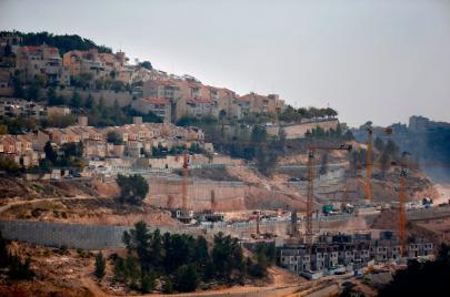 الاحتلال يمنع البناء الفلسطيني في الولجة.. مقابل تعزيز الاستيطان