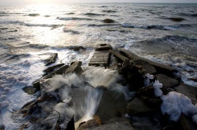 بلديات القطاع تُلوّث بحر غزة.. ما نتائج ذلك؟