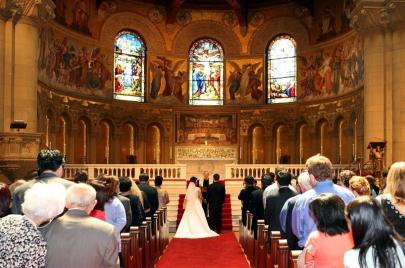الزواج المسيحي: سر الكنيسة وإكليل الانتصار