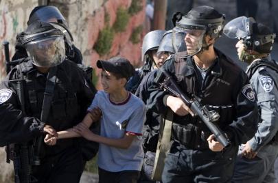11 معتقلًا من القدس