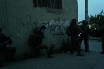 340 معتقًلا لدى الاحتلال في أيار